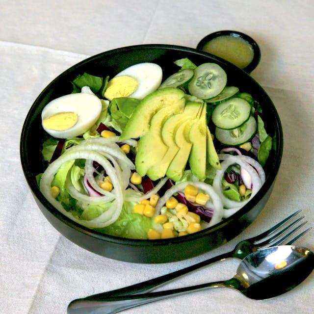 Avocado Delight Salad (Veg)