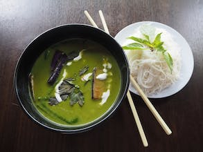 Green Curry Bee Hoon Soup