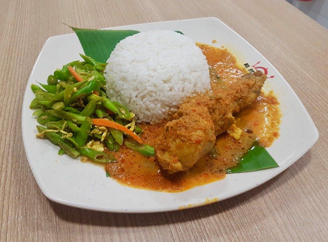 Nasi Putih Ayam Rendang