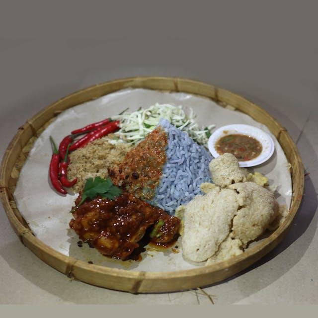Nasi Kerabu Ayam Merah (chicken)