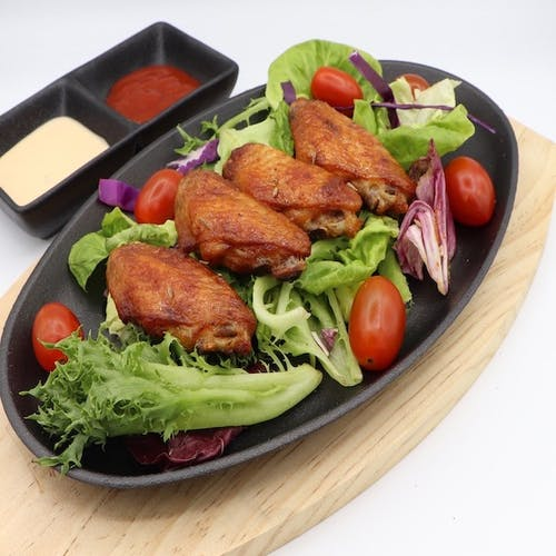 Chicken Wing with Salad