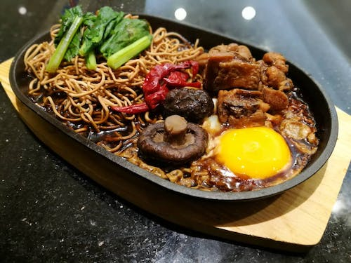 PICK your Hot Plate Yee Mee / Rice