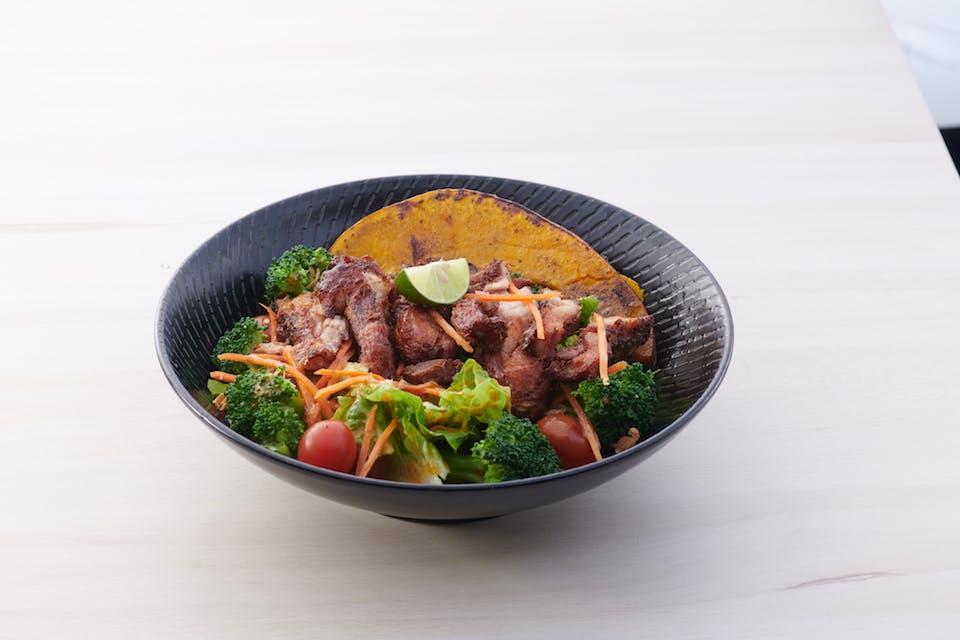 La Juiceria Bangkok Salad