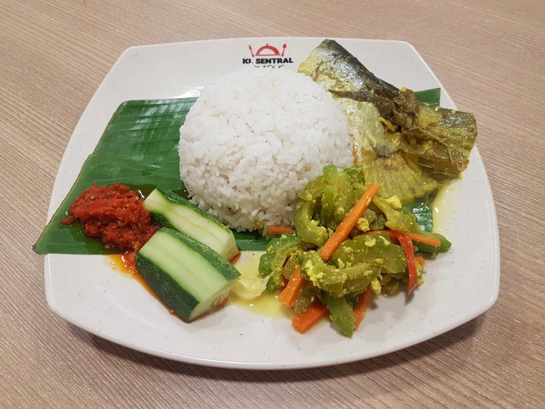 Nasi Putih ikan patin
