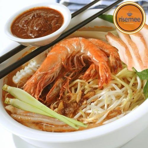 Tomyam Noodles (with Prawns)