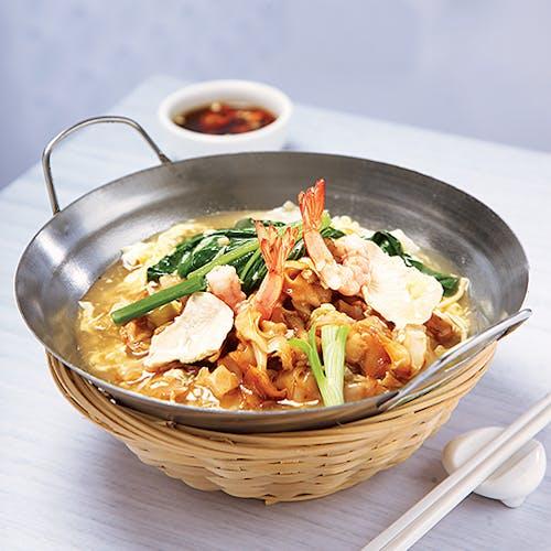 Cantonese Kwai Teow + Egg & Vegge
