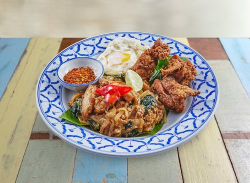 R26 Pad See Ew with Thai Fried Chicken