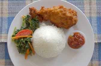 Nasi, Ayam Goreng, Sayur Bayam