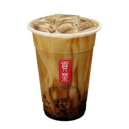 Brown Sugar Oolong Milk Tea w Coffee Jelly