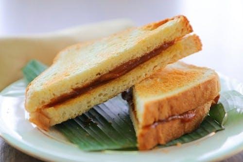 Roti Bakar Kaya Majerin