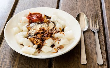 Rolled Chee Cheong Fun with Sweet & Chili sauce (3pcs)