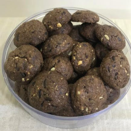 Nutty Chocolate Chips Cookies (Eggless/Egg)