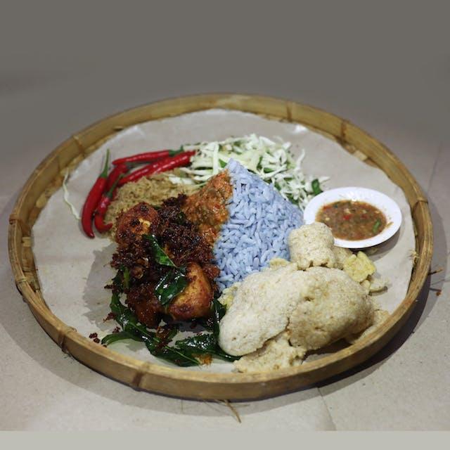 Nasi Kerabu Ayam (chicken)