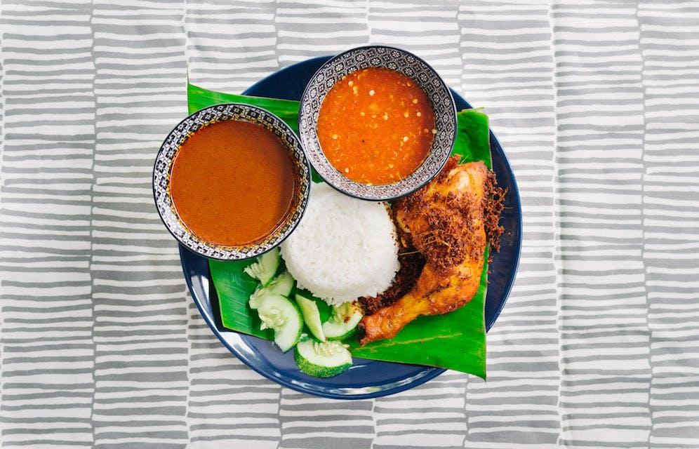 Nasi Kukus Ayam Dara (chicken)